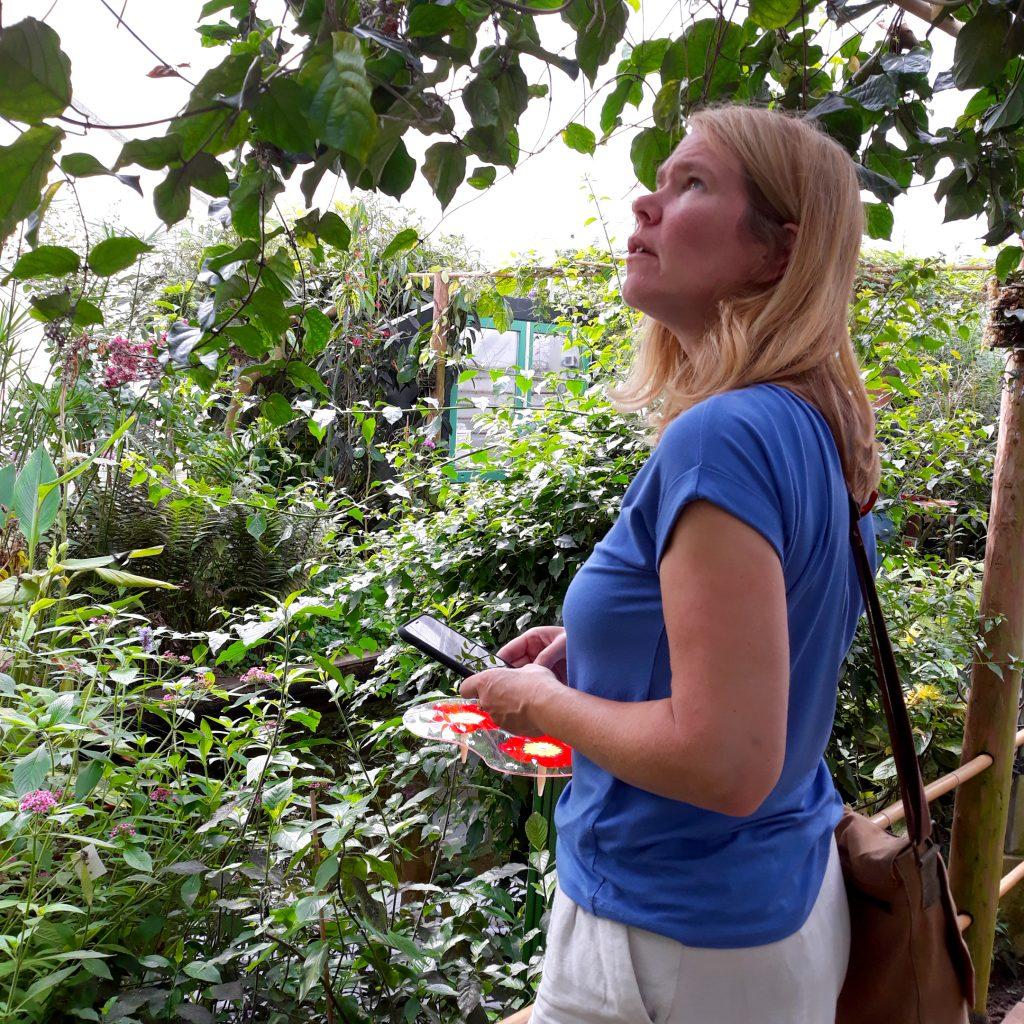 portret sonja in de vlindertuin